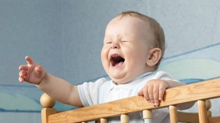 1歳1ヶ月 寝ない 夜泣き 夜中 起きる