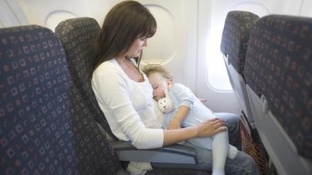 生後2ヶ月 旅行 飛行機