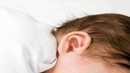 1歳 目やに 中耳炎