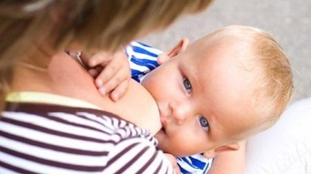 生後7ヶ月 授乳間隔 回数 時間
