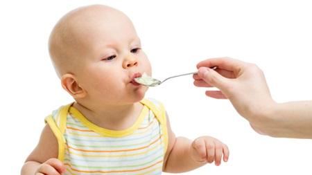 生後4ヶ月 離乳食 量 体重増えない