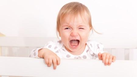 生後8ヶ月 寝ない 夜泣き 夜中 起きる