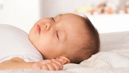 生後3ヶ月 睡眠時間 昼寝