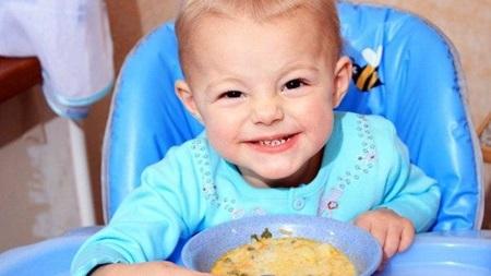 1歳3ヶ月 離乳食 食事 量