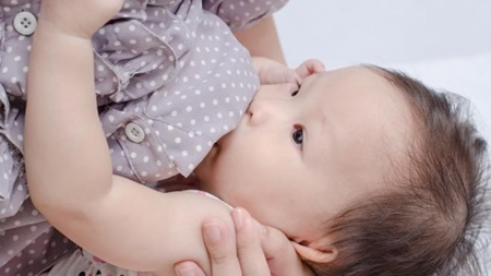 生後6ヶ月 授乳間隔 回数 時間
