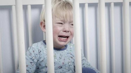 生後11ヶ月 寝ない 夜泣き 夜中起きる