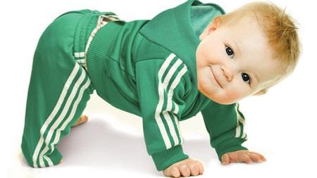 生後7ヶ月 ハイハイ おすわり つたい歩き つかまり立ち