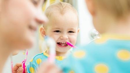生後10ヶ月 歯が生える 生えない 歯磨き