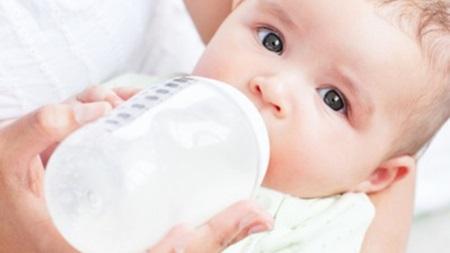 生後3ヶ月 ミルクの量 授乳量 体重増えない