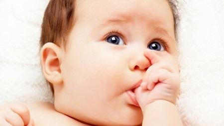 生後2ヶ月 指しゃぶり おしゃぶり
