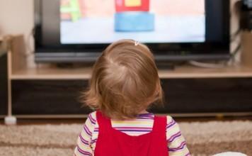 赤ちゃんとテレビの関係について知っておきたいこと