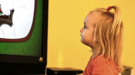目の発達とテレビ