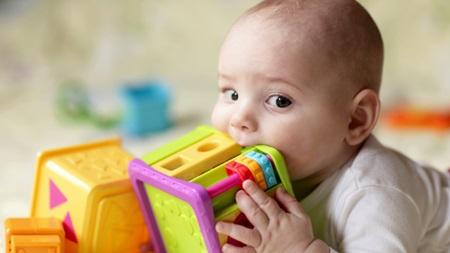 生後10ヶ月~生後11ヶ月の視力