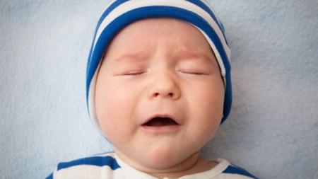 赤ちゃん一人では痰を出せない