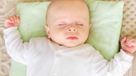 赤ちゃんが鼻血が出たときののケア