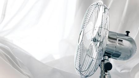扇風機の角度を調整