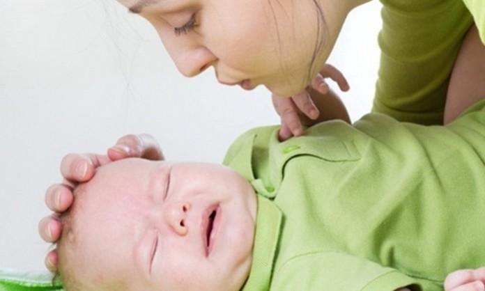 赤ちゃんが頭をぶつけた時の対処方法と予防