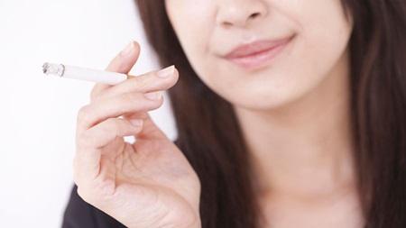 授乳中のタバコの影響