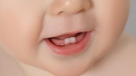 赤ちゃんの虫歯を予防に水