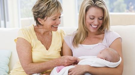産後は家族に協力が必要に