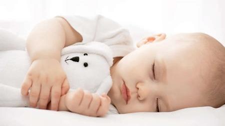 寝る時の向き癖が原因かも