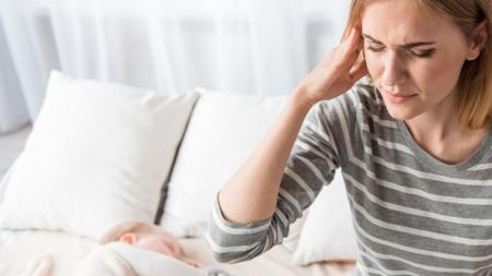 眼の疲れによる頭痛