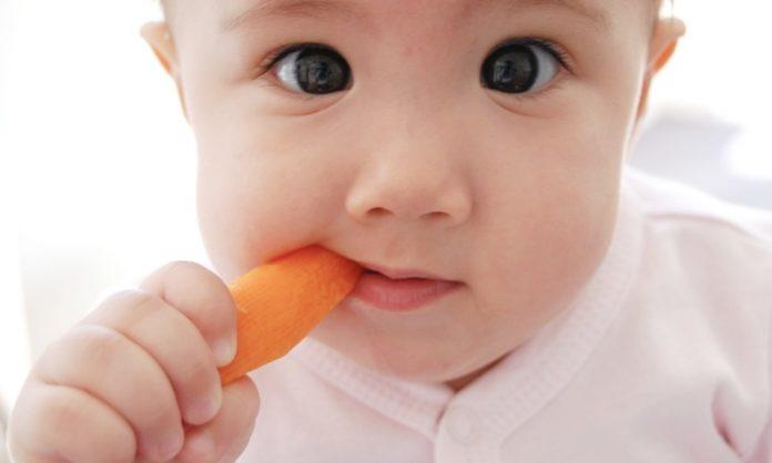 赤ちゃんの寄り目、斜視にについて知っておきたいこと