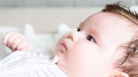 赤ちゃんの寄り目と視力の関係とは?