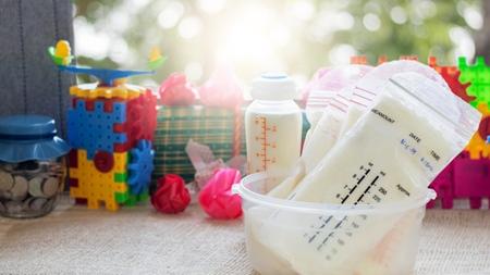 母乳専用の母乳パックを利用する