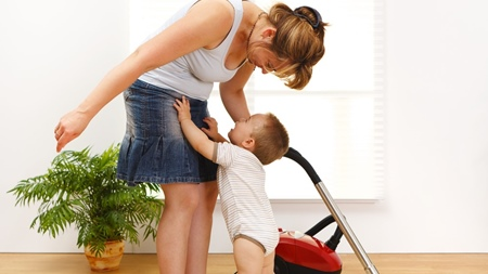 赤ちゃんの呼びかけにすぐに応えるようにする