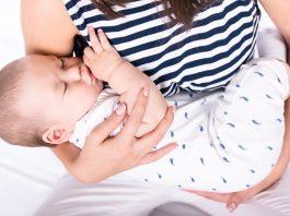 赤ちゃんの抱き癖が心配なときに知っておきたいこと いつからいつまで? 治し方は? 治すべき?