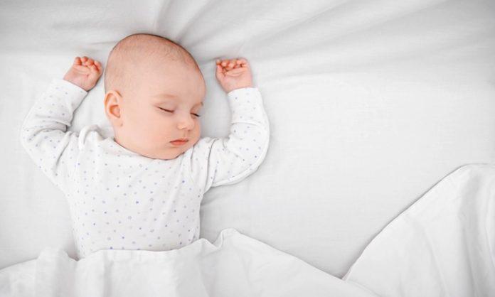赤ちゃんが寝すぎるときに知っておきたいこと