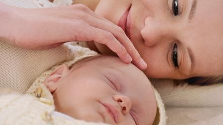 赤ちゃんの睡眠時間の目安を知る