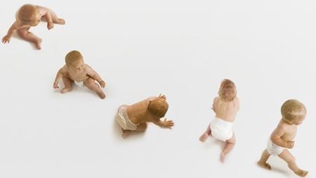 赤ちゃんの身体機能の発達の時期