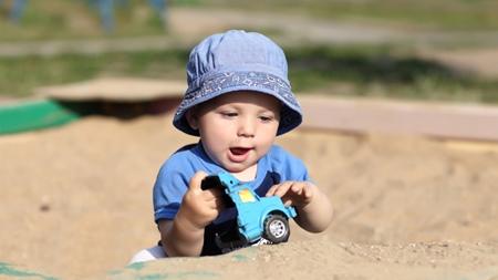 男の子の赤ちゃんが遊ぶ時のポイント