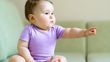 赤ちゃんの指差しはいつから