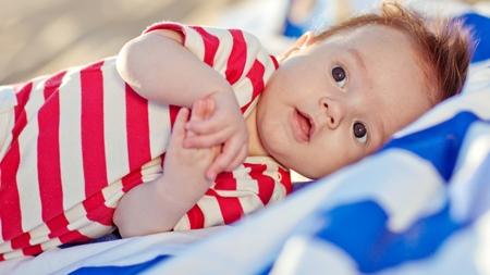 赤ちゃんの反り返りの対処法とは?