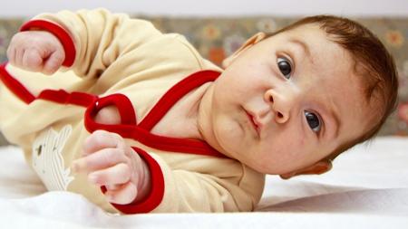 赤ちゃんの反り返りと病気の関係とは?