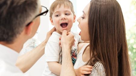 乳幼児健診で相談 構音障害で原因不明