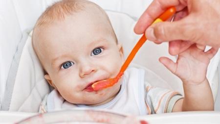 離乳食と便秘の関係 乳酸菌