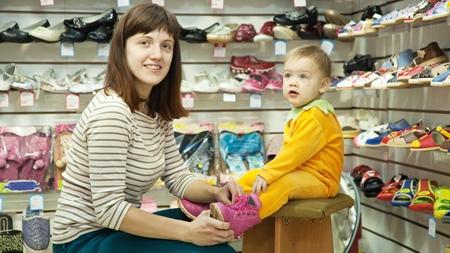 赤ちゃんの靴の選び方のポイントとは?