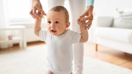 赤ちゃんの歩行機能発達