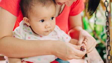 赤ちゃんの爪を切る際のポイント