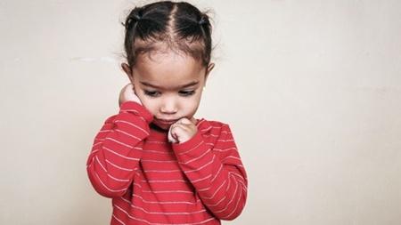 場面緘黙症は治療が必要