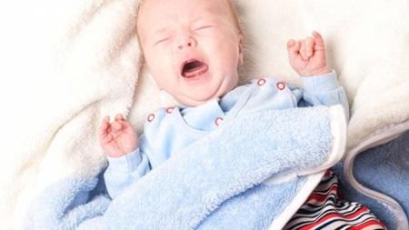 外出の赤ちゃんの刺激