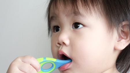 歯並びやすきっ歯が心配
