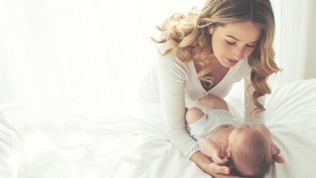 赤ちゃんの首すわりはどのように確認する?