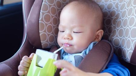 赤ちゃんがストローで飲めるようになると便利で楽