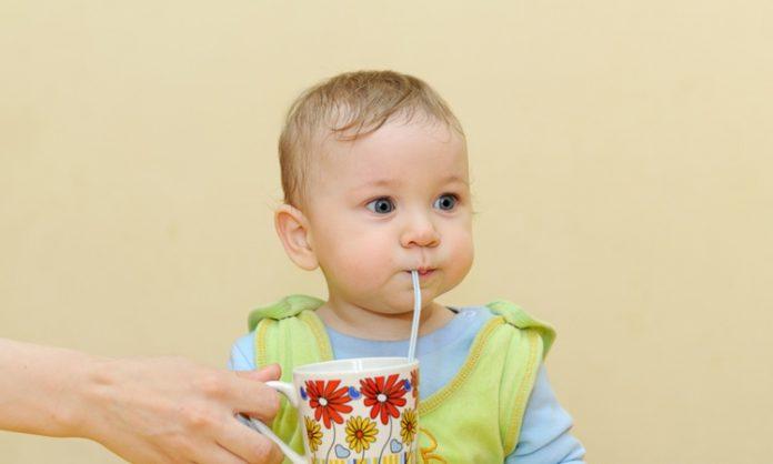 赤ちゃんがストローにチャレンジするときに知っておきたいこと いつから 練習はなど