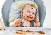 赤ちゃんの手づかみ食べについて知っておきたいこと いつから 遊び 原因は?注意点は?対処方法など